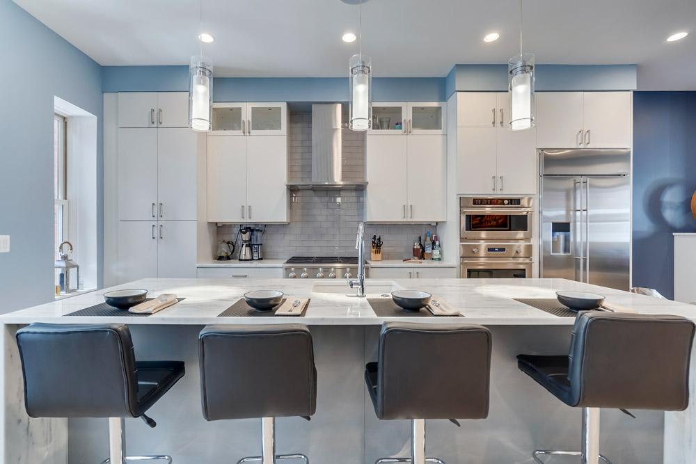 صندلی های اپن در مدرن ترین دکوراسیون های آشپزخانه